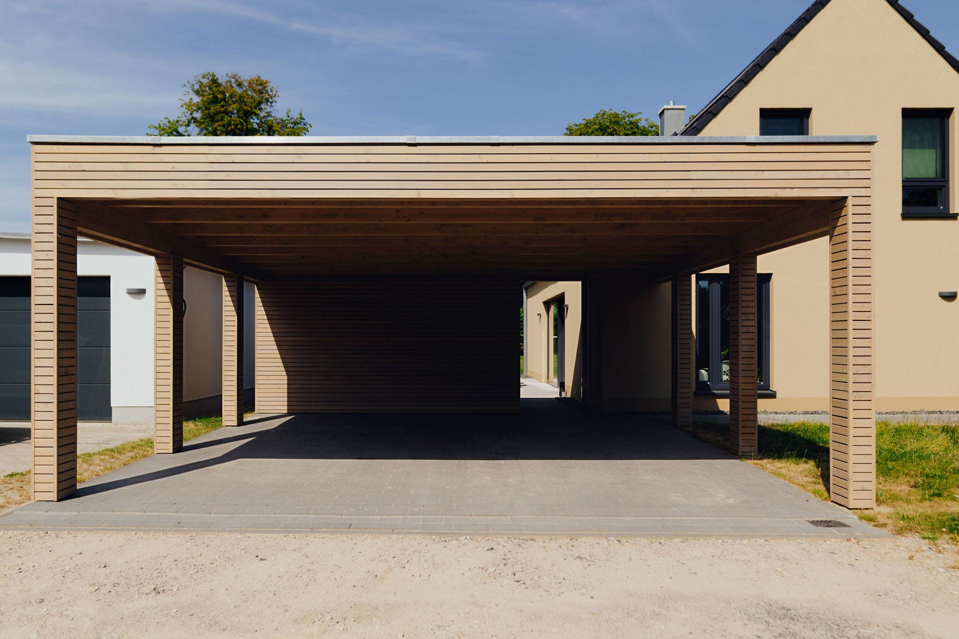 Carport in Wismar (02) / Totale seitlich