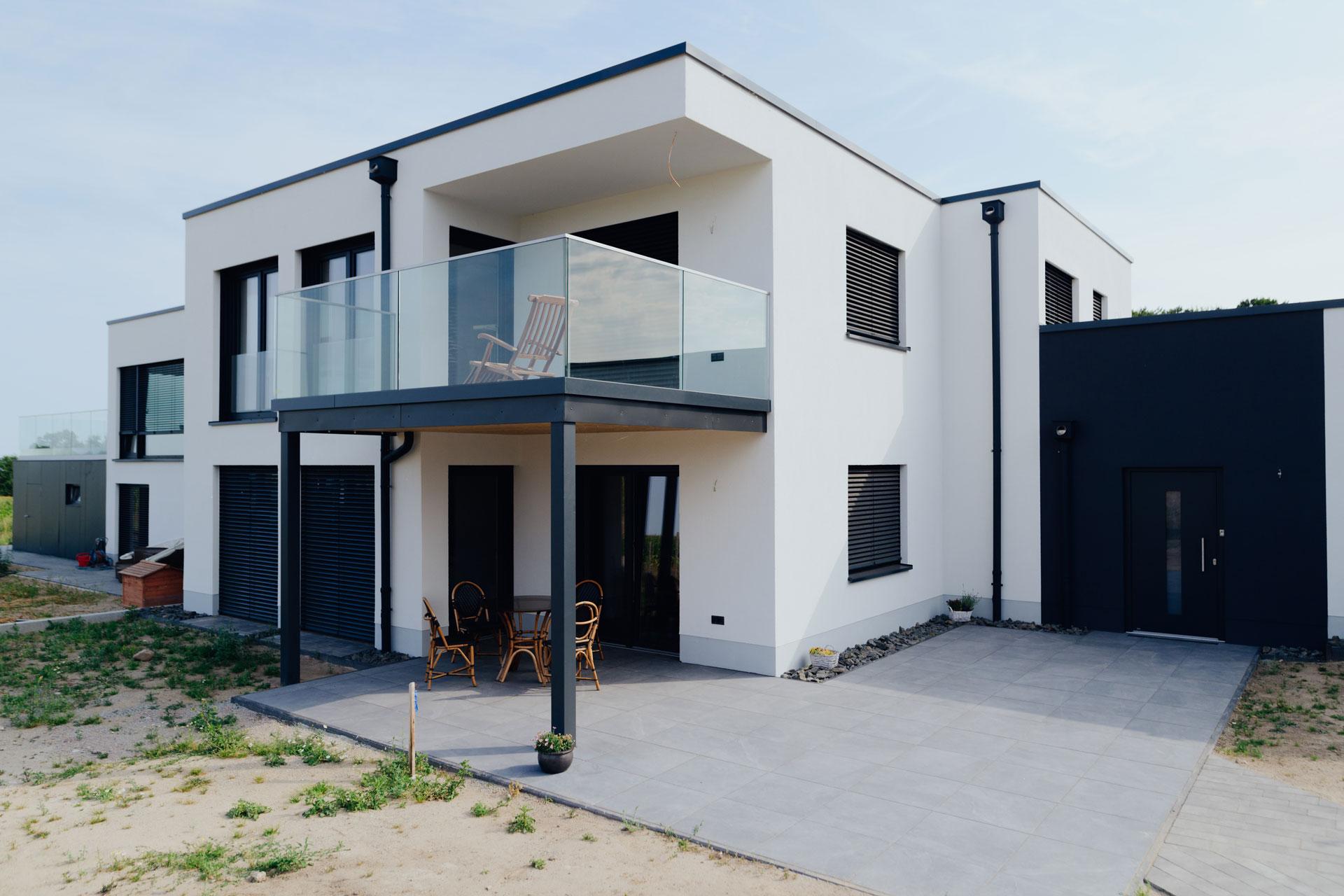 Doppelhaus in Wismar (01) / Nahaufnahme seitlich
